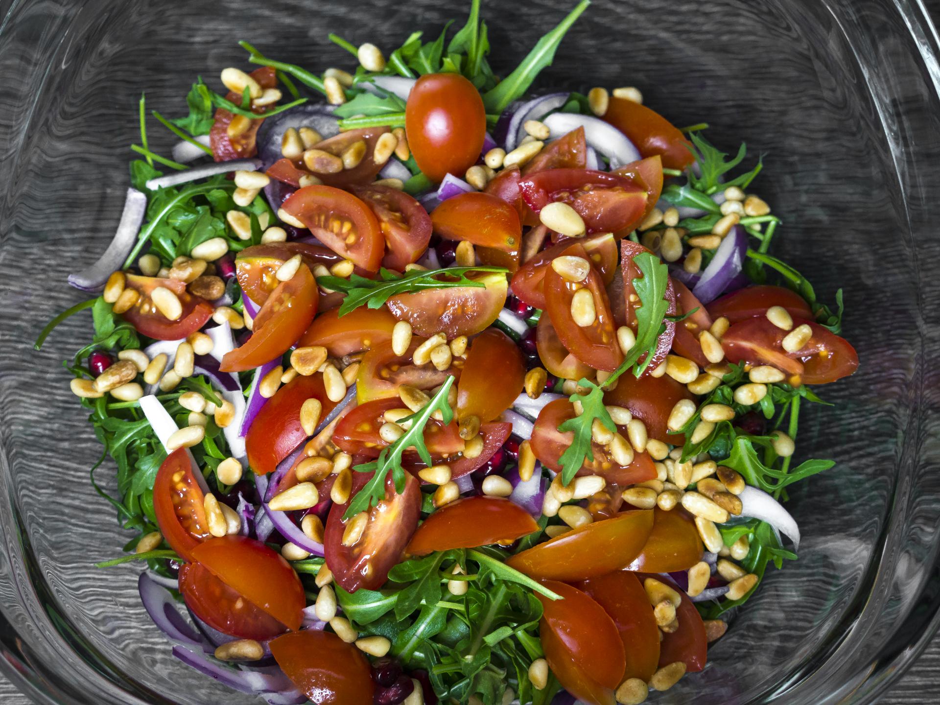 der rucola salat die perfekte beilage zu eurem low carb essen. Black Bedroom Furniture Sets. Home Design Ideas